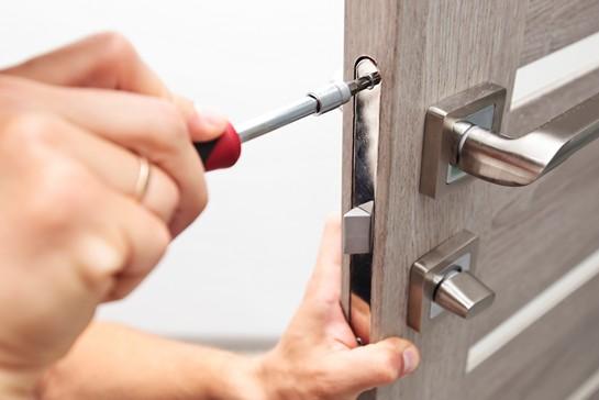Reparation af døre og låse ved billig låsesmed Sydhavnen