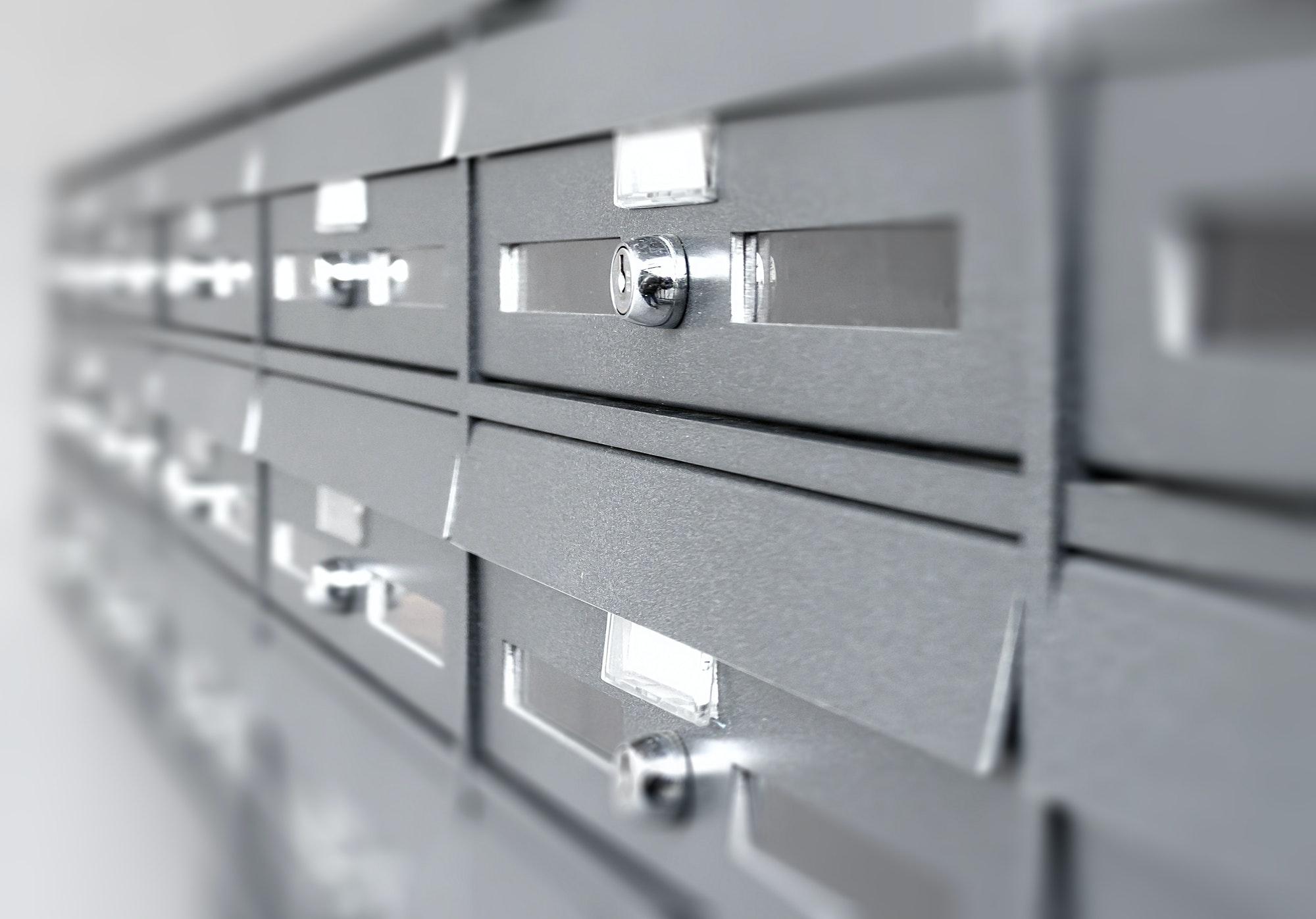 Systemlåse og låsesystem priser, her får du nogle konkrete priseksempler på låsesystem pris mekanisk og elektronisk montering i København