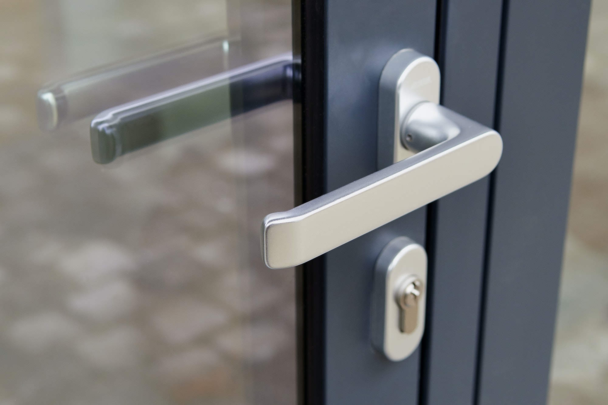 Kan ikke låse døren op, hvad skal jeg gøre? Her er Norh's låsesmed 3 bedste tips på hvad du selv kan prøve før du ringer til låsesmeden