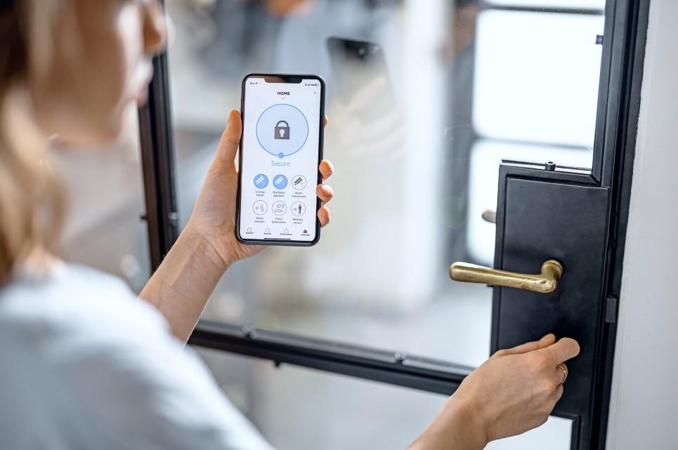 Norh Låsesmed Brøndby installerer adgangskontrol til privat og erhverv inkl.. mekanisk lås