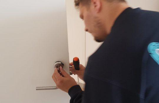 Norh låsesmed amager, låsesmed Glostrup og Brøndbyøster installerer en lås
