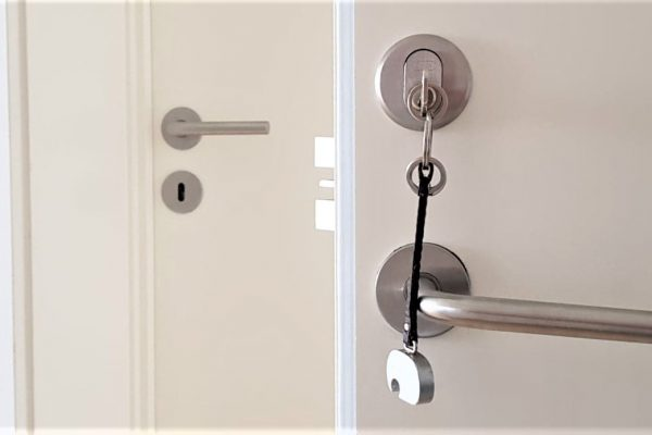 Norh låsesmed Glostup og Brøndbyøster uføre alt af låse og indbrudssikring.