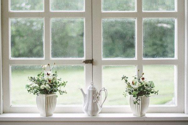 Sikre dit hjem, montere gode låse og vindues låse.